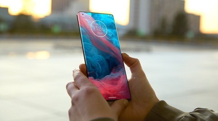 Motorola с необычным экраном