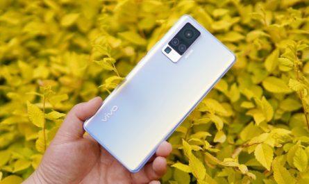 Смартфон с большой камерой