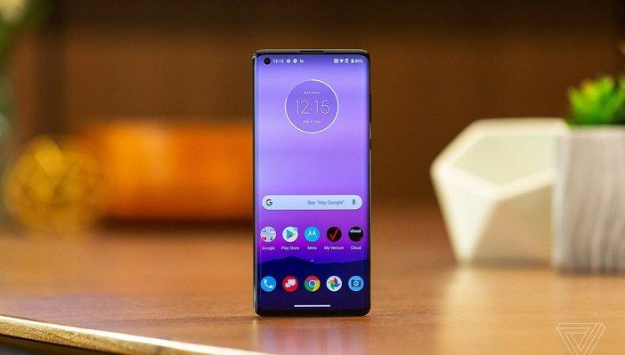 Внешний вид Motorola Edge+