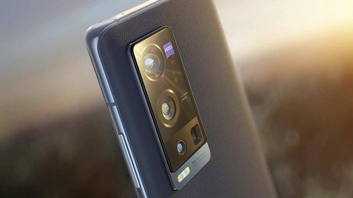 Все смартфоны с камерами Leica, Zeiss и Hasselblad