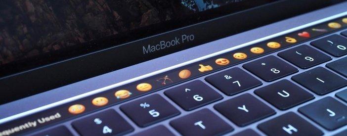 Смайлики на Touch Bar в MacBook Pro